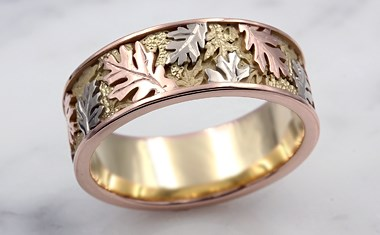 oak leaf wedding band with three colors of gold