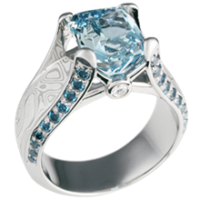 Juicy Light Engagement Ring with Aquamarine