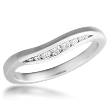 Curved Wave Band 0.17ctw