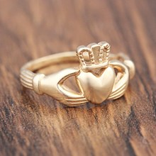 1.5 mm Yellow Gold Claddagh Ring