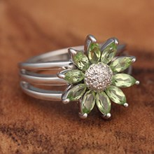 Peridot, Diamond & White Gold Flower Ring