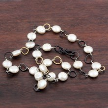 Pearl and Two-tone chain necklace - top view