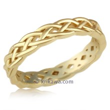 Sculptural Celtic Knot Band In 18K Yellow Gold