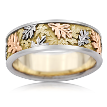 Tricolor Oak Leaf Wedding Band - top view
