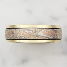 Millegrained Mokume Wedding Band In Yellow Gold - top view