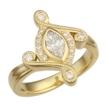 Marquise Ring in Yellow Gold