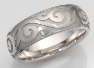 Eternity Leaf Men's Band Domed with Scalloped Edges